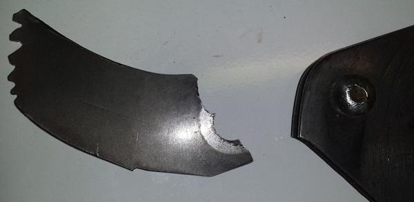 how to break off exacto blade