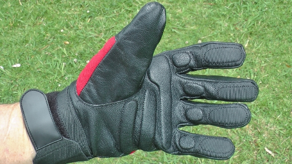 brushdestructor-model-17-anti-vibration-gloves-2-580x326