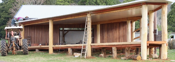 new-deck-to-comboyne-billabong-4-580x206